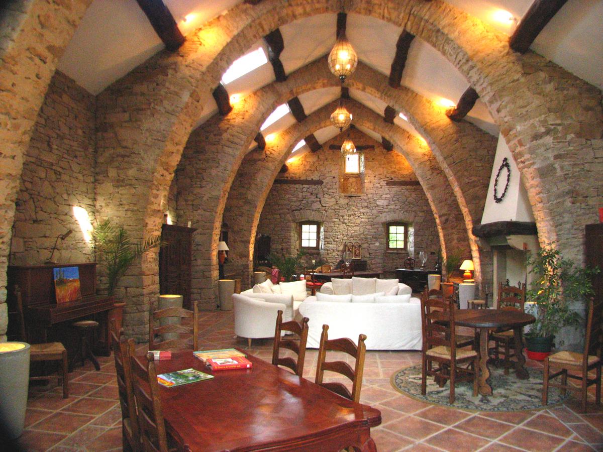 Gîtes et Chambres d'hôtes  - brousse le chateau